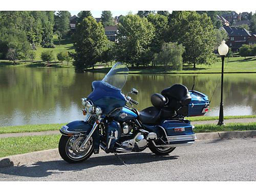 2006 HARLEY-DAVIDSON ULTRA CLASSIC Beautiful Sun Glo Blue Pearl fully loaded chromed out true Du