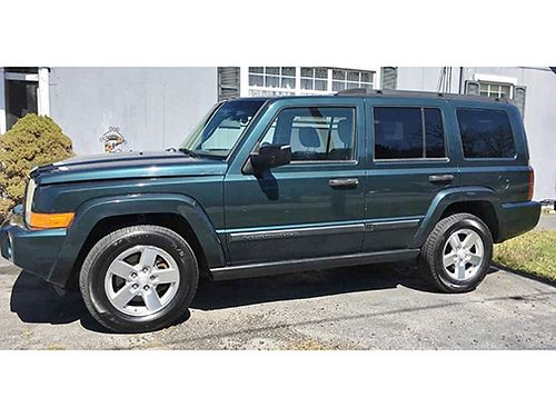 2006 JEEP COMMANDER 4WD 4x4 V6 Auto 3rd Row Seats runs great 2600 865-454-2140 N Knoxville