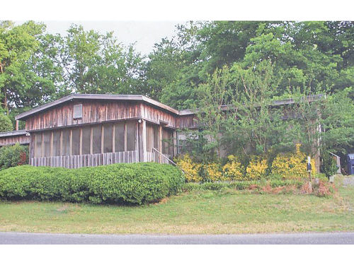 HUNTING  FISHING LODGE 12 miles from Clarksdale MS on DeSoto Lake branch of Mississippi River at