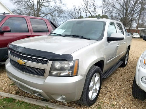 2008 CHEVROLET AVALANCHE LT 4WD silver birch dual power seats running boards bed cover pw pdl