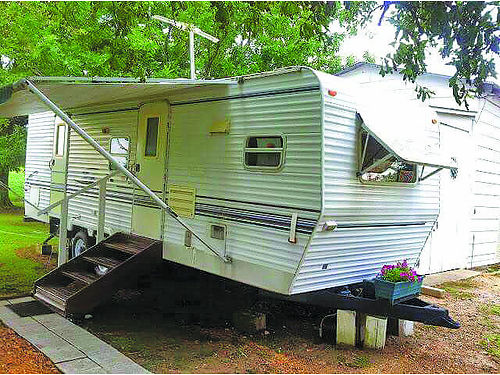 2001 KEYSTONE SPRINTER 275 long slideout for living roomkitchen electric hitch full size Kenm