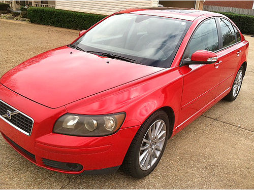 2009 VOLVO S40 good condition red with grey leather power windows  doors 91k miles sunroof 2