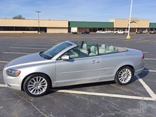 2007 VOLVO C70 HARDTOPCONVERTIBLE 75k miles unique car not many around push buttom fold back to