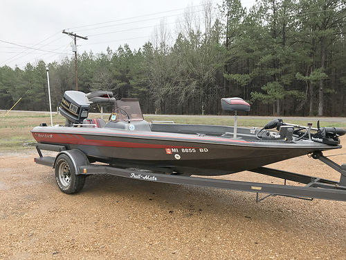 17 Q-STAR BOAT MOTOR  TRAILER 200hp Yamaha 4250 obo CALHOUN CITY 662-983-5999 or 662-927-077