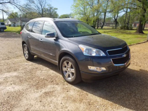 2011 CHEVROLET TRAVERSE LT 36 V6 automatic gray gray leather Bose stereo sunroof DVD backup