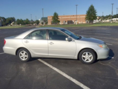 2004 TOYOTA CAMRY LE silver wgray leather 179k miles pw pdl power seats perfect 1st car driv