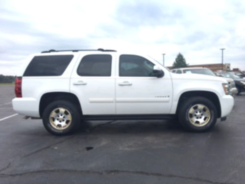 2007 CHEVROLET TAHOE LT white wtan cloth interior 3rd row seat Husky floor liners pw pdl tilt