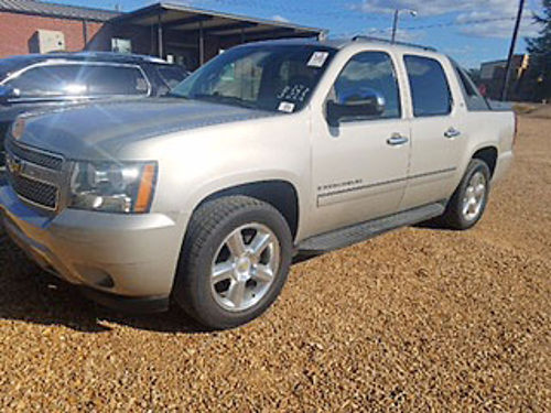 2009 CHEVROLET AVALANCHE 4wd LTZ pkg loaded with all factory options sunroof DVD navigation
