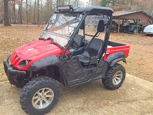 2011 YAMAHA RHINO 700 red 2700 miles top windshield radio winch wheels tires lift light ba