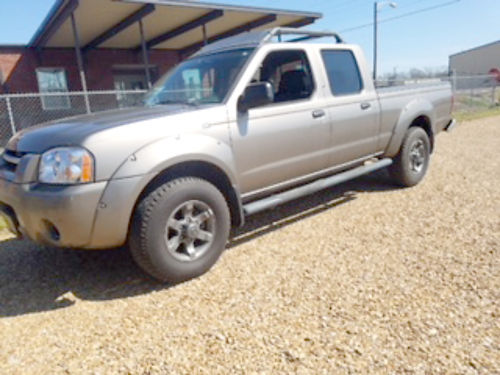 2003 NISSAN FRONTIER XE crew cab 2WD full 4-doors bedliner roof rack 33 V6 automatic pw pd
