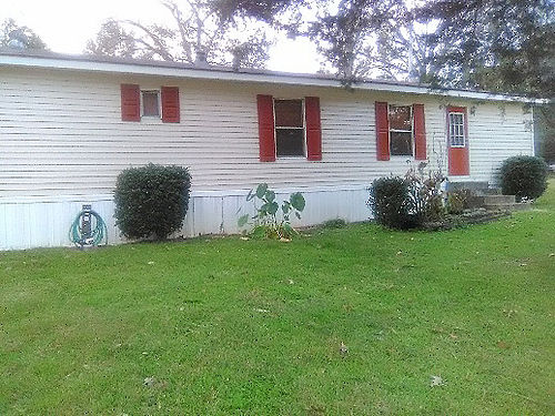 WEST MS - 254 May Street for sale by owner 3 bedroom 2 bath Hvac stove Refrigerator Washer Dr
