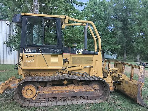 2001 CAT D3C DOZER LGP wide track hydrostat with ripper on back Cab  air with only 3000 hours