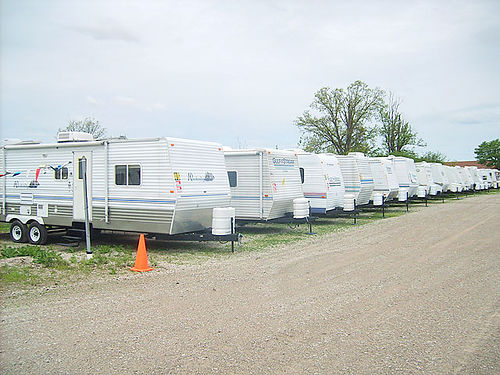 OVERSTOCKED 40 PRE-OWNED TRAVEL TRAILERS, FROM $4695, ...