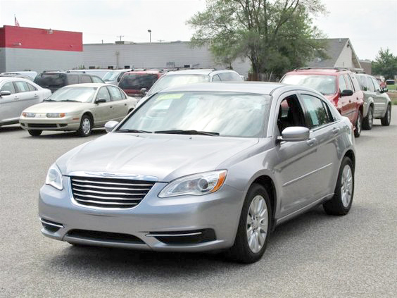 2014 CHRYSLER 200 LX FU080 FWD 249 per month for 72 months 15695