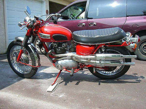1971 TRIUMPH Trophy T-100 500cc very good condition thumbs up everywhere you go show or ride on