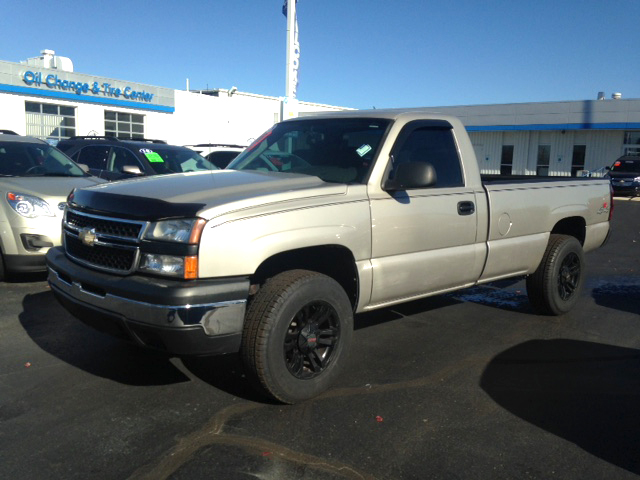 2006 CHEVY Silverado 1500 7-344899B regular cab long box 4x4 new tires and wheels 9900
