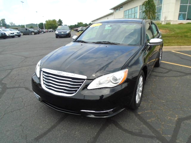 2013 CHRYSLER 200 limited J100990 1 owner very clean 14485