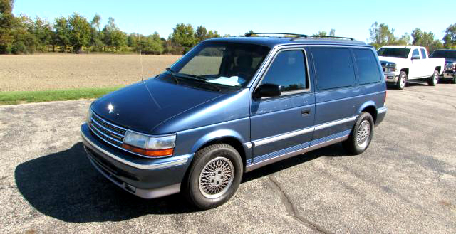 1992 PLYMOUTH Voyager 61052 really clean and nice only 120000 miles 2999