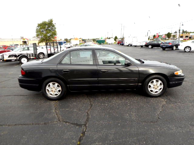 2003 BUICK Regal LS 29 MPG Hwy 4475For more information contact our internet specialist at 1-866