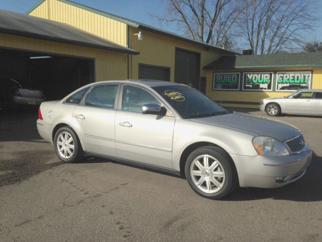 2006 FORD Five Hundred AWD leather and loaded good miles 800 down