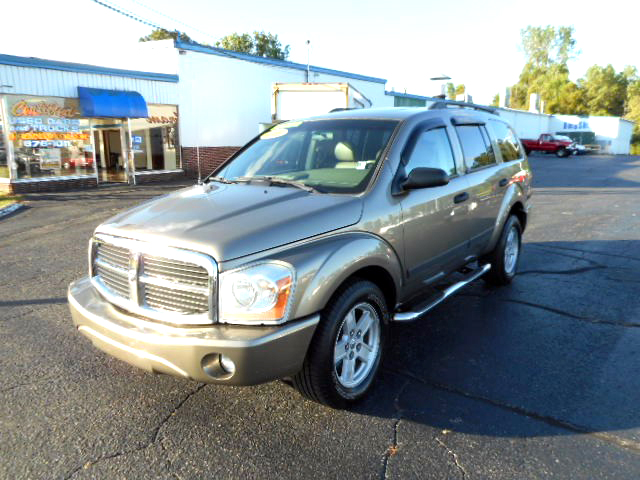 2006 DODGE Durango SLT 4WD leather 9700For more information contact our internet specialist at
