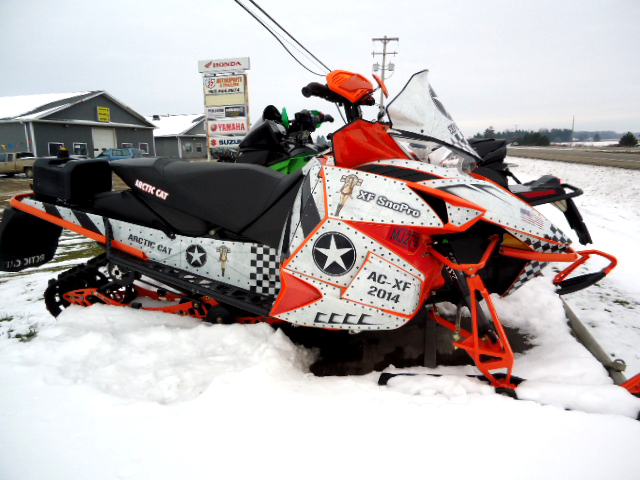 2014 ARCTIC CAT XF8000SP custom wrap only 2200 UP miles asking 10399