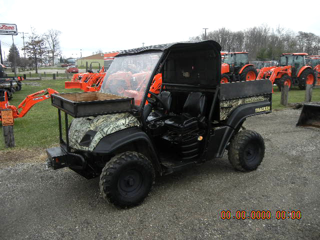 2008 CUB Cadet Volunteer 31 HP Kohler liquid cooled gas 4WD top and windshield included low hou