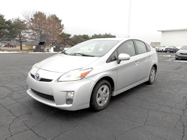2011 TOYOTA Prius J3287A 1 owner up to 52 est mpg 10539