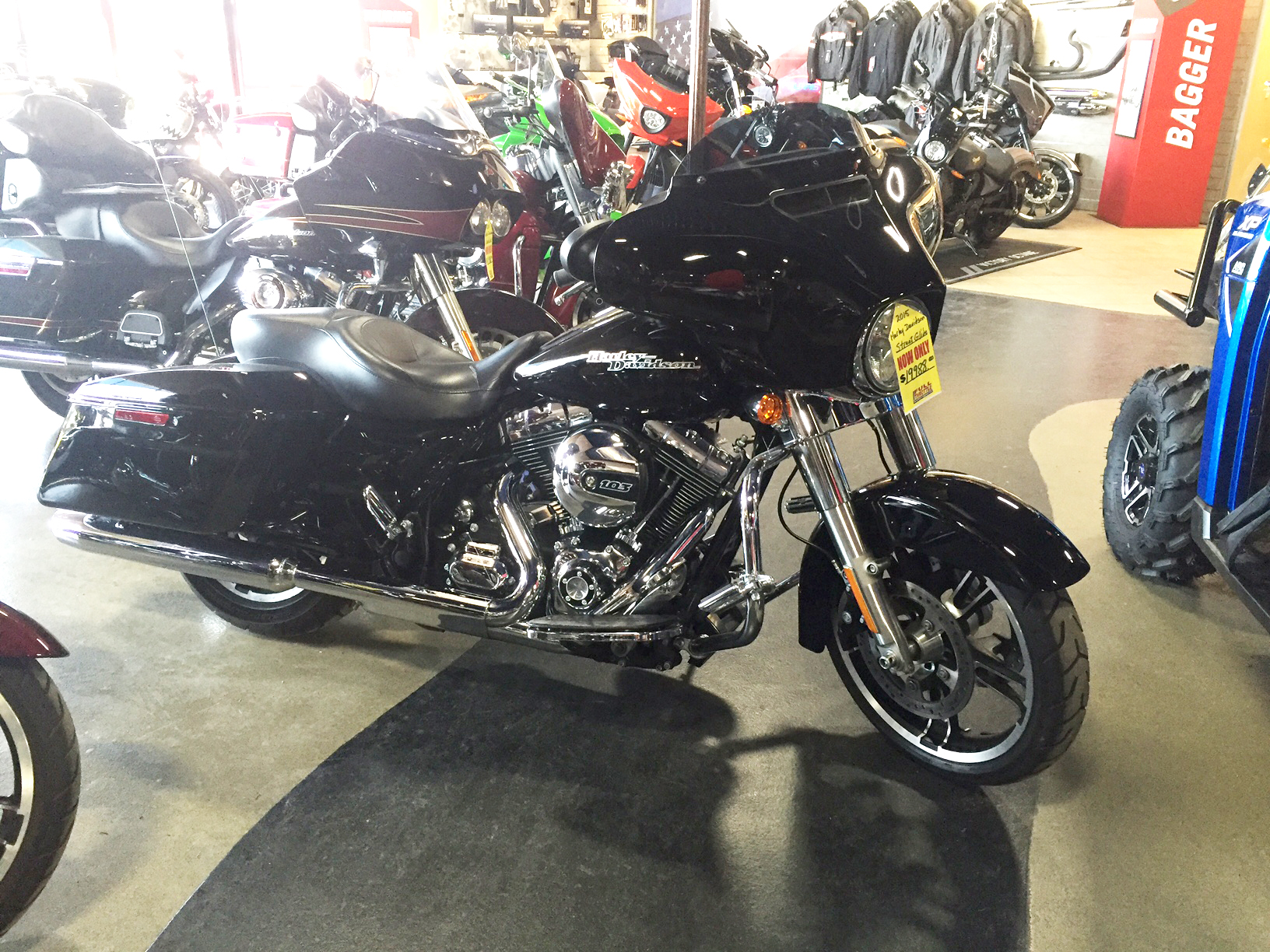 2015 HARLEY-DAVIDSON Street Glide FLHX low low miles vivid black this ones a steal 0 down fi