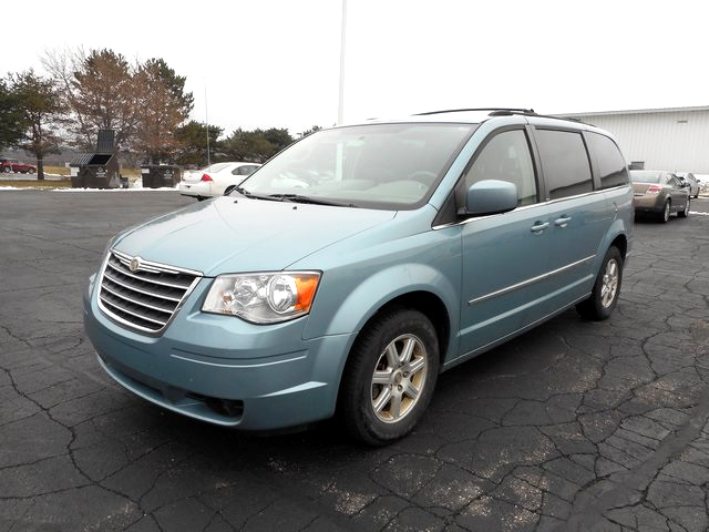 2010 CHRYSLER Town  Country Touring J3304A 38 liter V6 well equipped 9899