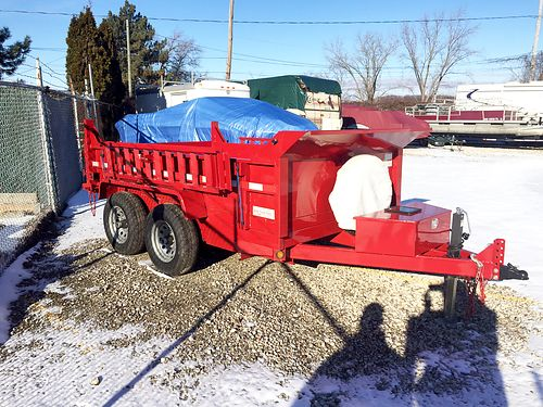 DUMP Trailer 10 feet 6000 lbs only used twice solar charging system only 5400