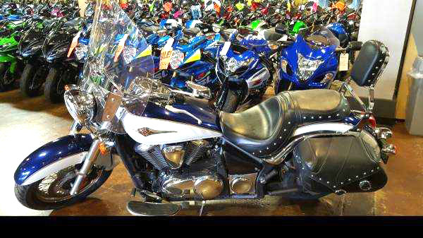 2013 KAWASAKI Vulcan 900 Classic LT only 851 miles two-tone mistic blue and pearl crystal white f