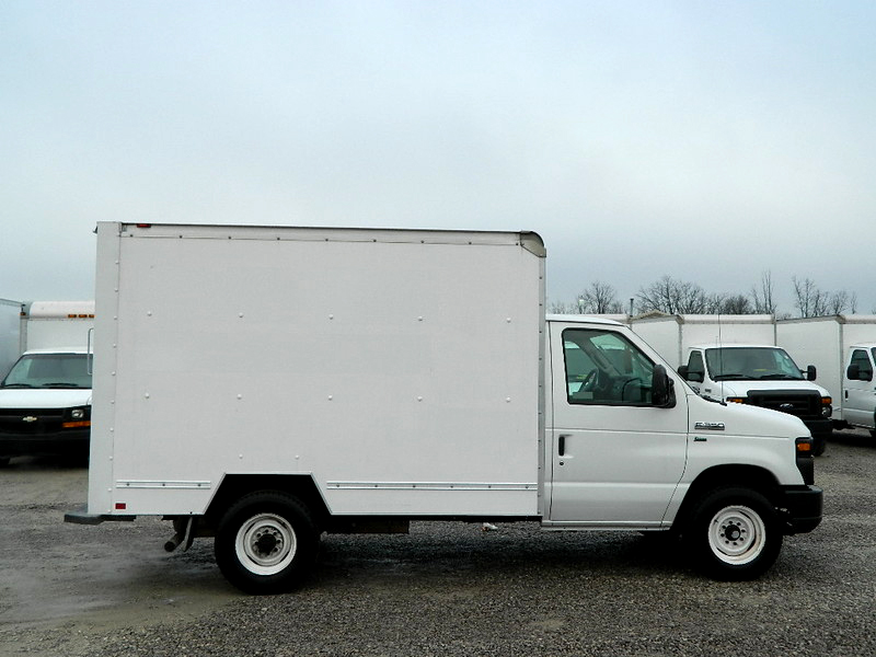 2011 FORD E-350 1598 10 box cube van ramp 1 owner reduced to 13900