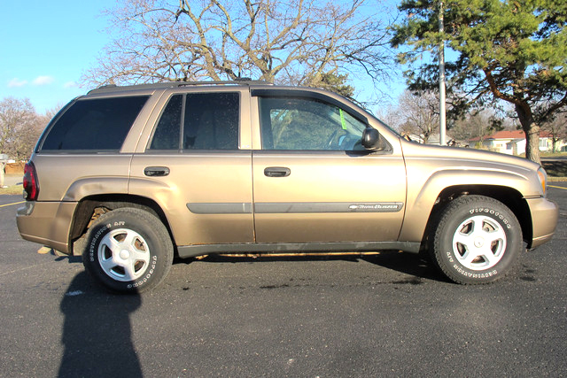 2003 CHEVY TrailBlazer LS 16T138A 4x4 139 down 139month or 6900