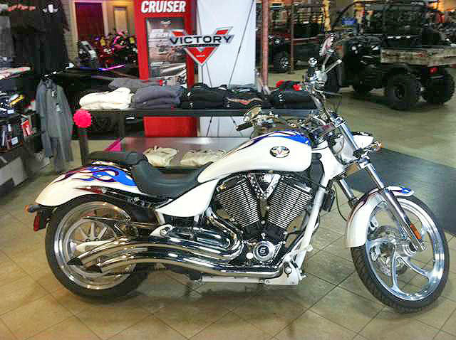 2007 VICTORY Vagas Jackpot low miles pearl white with extreme graphic 0 down financing available