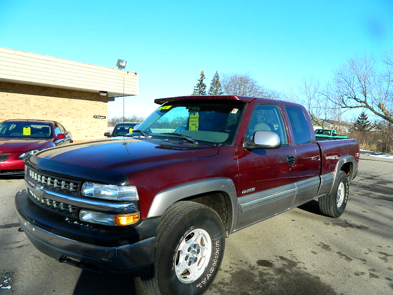 1999 CHEVY Silverado 1500 1668 extended cab 4x4 1 owner very low miles 6800