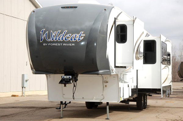 2013 FOREST River Wildcat 337 FB fifth wheel 34500