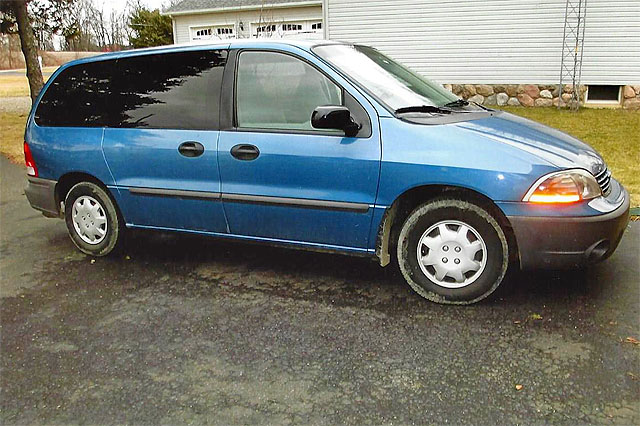 2003 FORD Windstar 147000 miles new front and rear axles good tires and brakes good condition