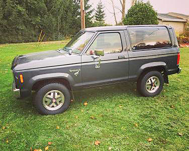 1985 FORD BRONCO II I AM THE 2ND OWNER OF THIS VEHICLE 91300 MILES CHARCOAL GREY EXTERIOR AND RE