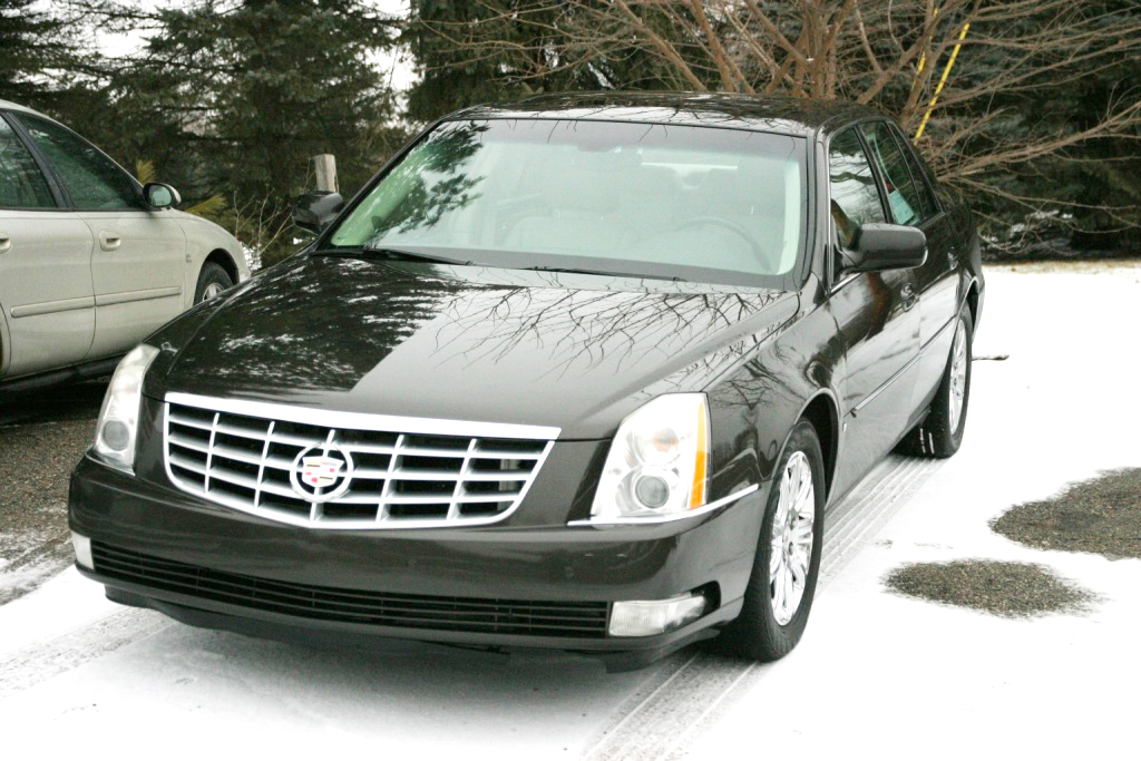 2008 CADILLAC DTS leather sunroof remote start 205000 miles well maintained runs great 4500