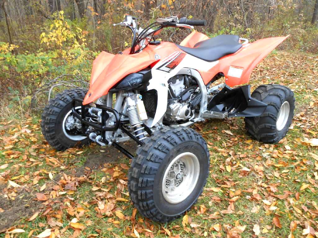 2014 YAMAHA YFZ450R only 10 hours ITP tires and upgrade bumpers financing available only 5499