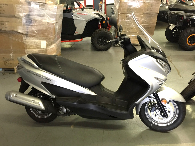 2014 SUZUKI Burgman 200 only 1200 miles financing available only 3999