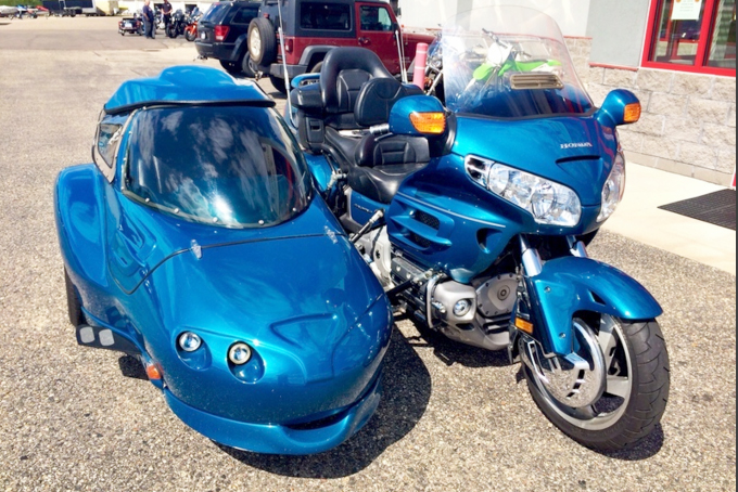 2005 HONDA Goldwing with Hannigan sidecar call for details