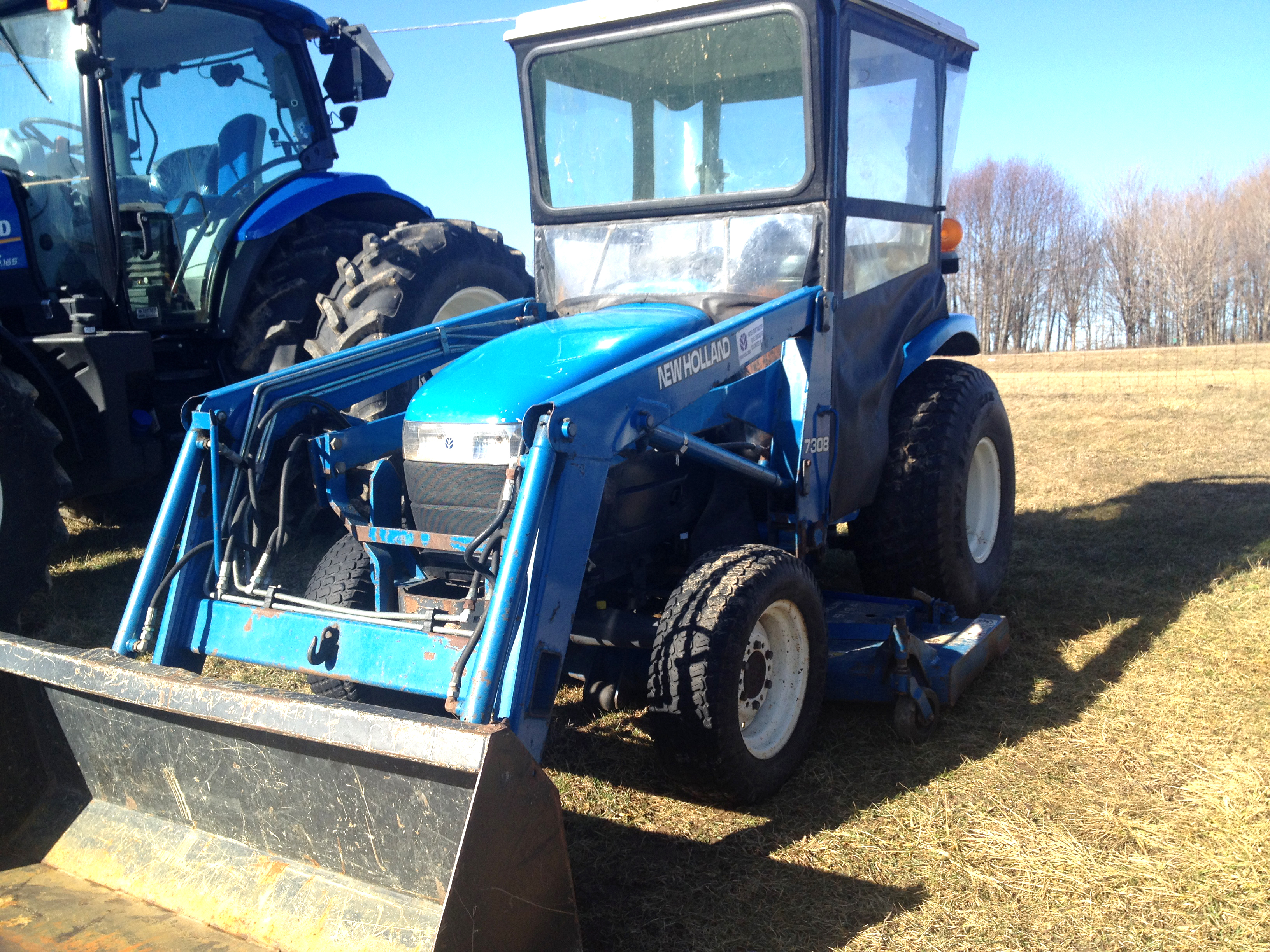 NEW Holland 1630 30 HP 4x4 3675 hours hydro 60 mower deck hurry only 10200 for more info v