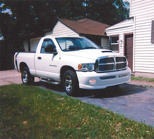 2004 DODGE SXT V6 leather like new 15400 miles never been in winter 9500