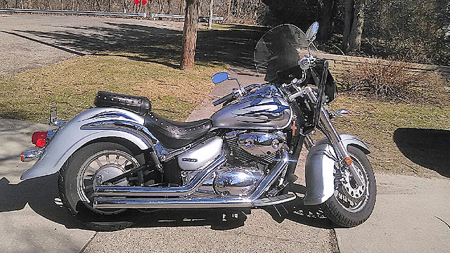2008 SUZUKI Boulevard C-50 819 cc V-Twin Cruiser metalic silver Cobra pipes adjustable windshiel