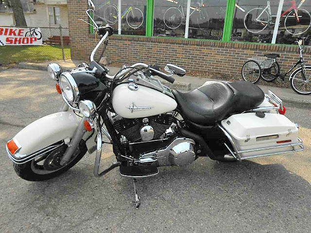 2005 HARLEY-DAVIDSON FLHPI FI only 35877 miles white this is a beauty financing available only