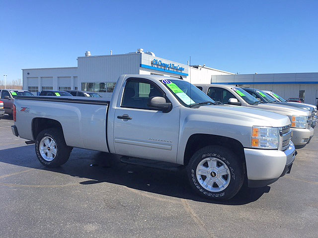 2011 CHEVY Silverado 1500 7-176938A regular cab long box 4x4 great tires only 34k miles 22