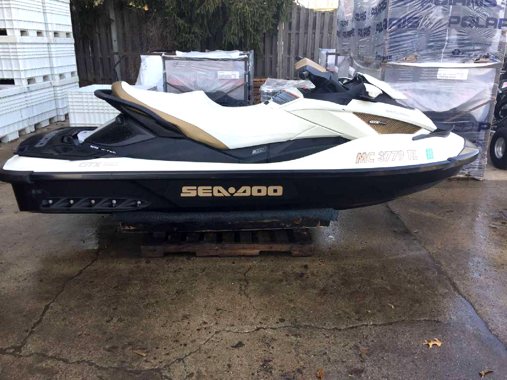 2012 SEA-DOO GTX Limited IS 260 only 70 hours excellent condition financing available only 109