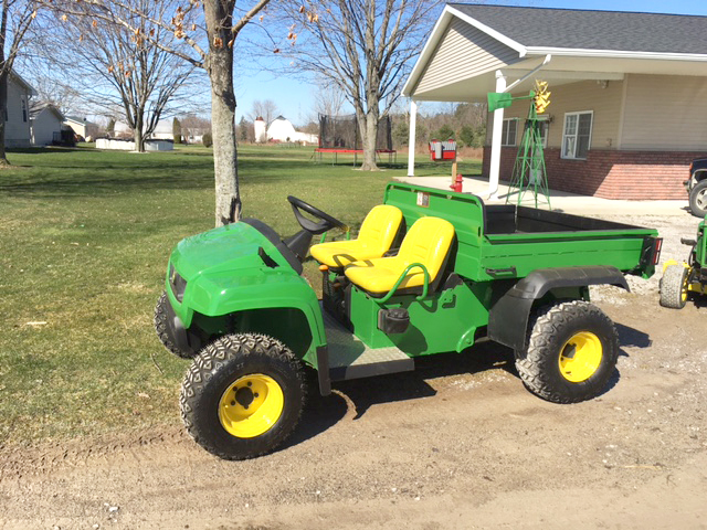 2008 JOHN Deere Gator TS good plastics new seats new tires full suspension front and rear great